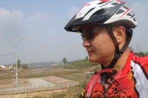 Cycling to Bat Trang , Dong Ho and But Thap Pagoda