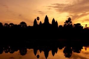 MG_7957-cambodia-siem-reap-angkor-wat-sunrise-650x250