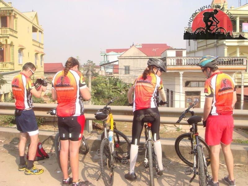 Saigon Cycling to Hue