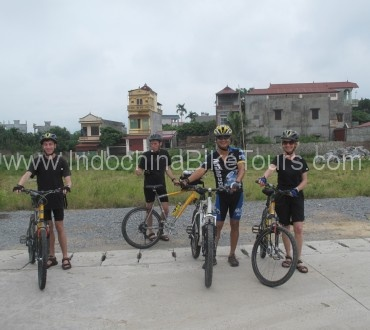 hue cycling to hoi an
