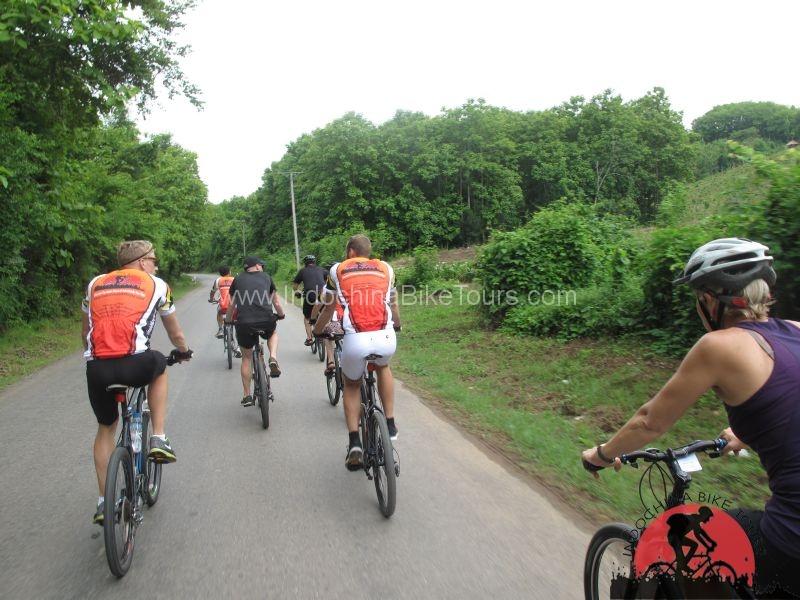 Vietnam Lifestyle Bicycle Tour – 12 Days