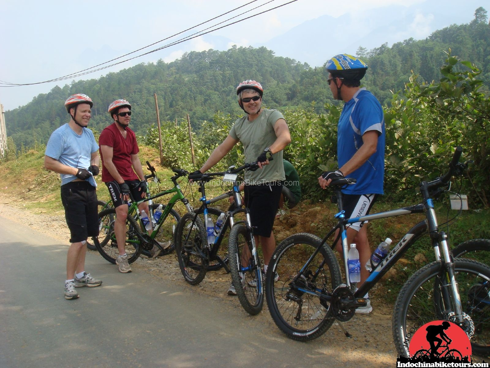 Cycle Up hill to Meo Vac